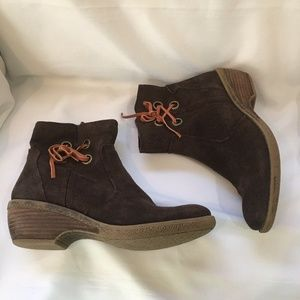 Bare Traps Brown Suede Side Lace Women's Boots